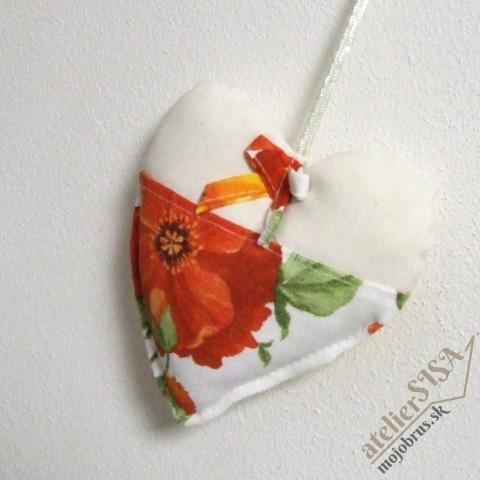srdiečko SVETLANA - závesná textilná dekorácia
