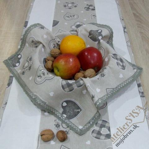 vianočný štvorcový obrúsok ANTÓNIA - v košíku s ovocím